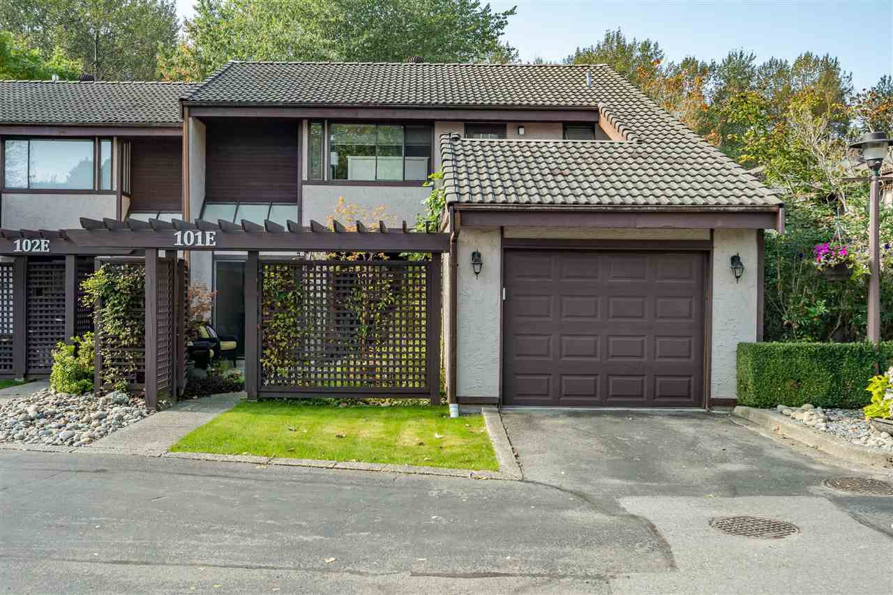 "Main Photo: 101E 3655 SHAUGHNESSY Street in Port Coquitlam: Glenwood PQ Townhouse for sale in ""SHAUGHNESSY PARK"" : MLS®# R2507490"