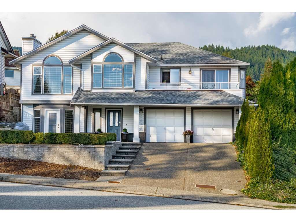 Main Photo: 2893 DELAHAYE Drive in Coquitlam: Scott Creek House for sale : MLS®# R2509478