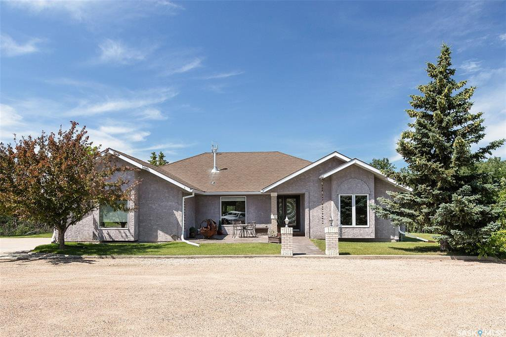 Main Photo: 104 Maple Road in Aberdeen: Residential for sale (Aberdeen Rm No. 373)  : MLS®# SK839048