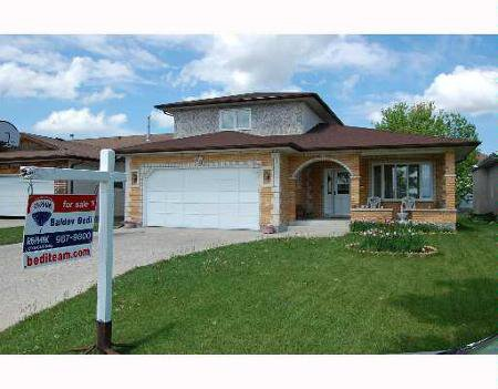 Main Photo: 861 BEECHER: Residential for sale (Garden City)  : MLS®# 2709082