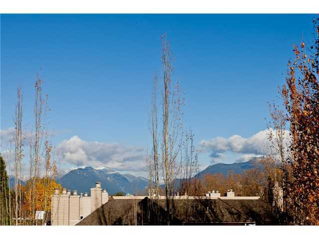 "Main Photo: 305 3970 LINWOOD Street in Burnaby: Burnaby Hospital Condo for sale in ""CASCADE VILLAGE"" (Burnaby South)  : MLS®# V952194"