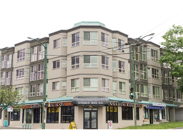 Main Photo: 101 3615 W. 17TH Street in VANCOUVER: Dunbar Condo  (Vancouver West)  : MLS®# V1007581