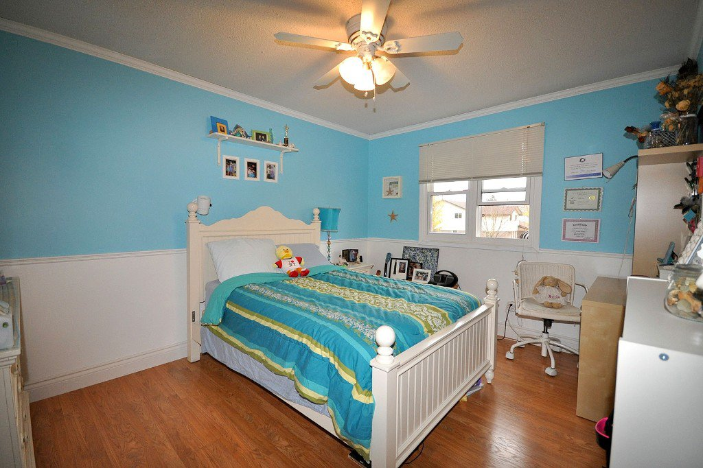 Photo 7: Photos: : Freehold for sale : MLS®# N2497480