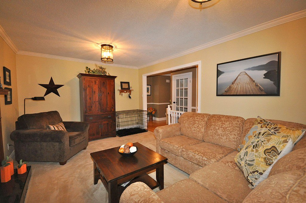 Photo 4: Photos: : Freehold for sale : MLS®# N2497480