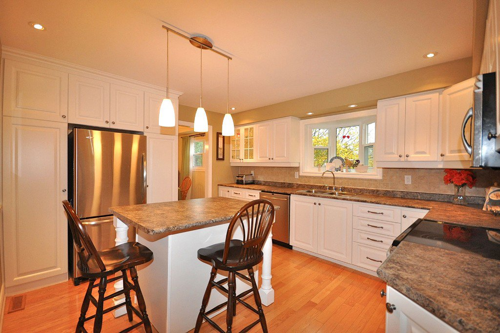 Photo 5: Photos: : Freehold for sale : MLS®# N2497480