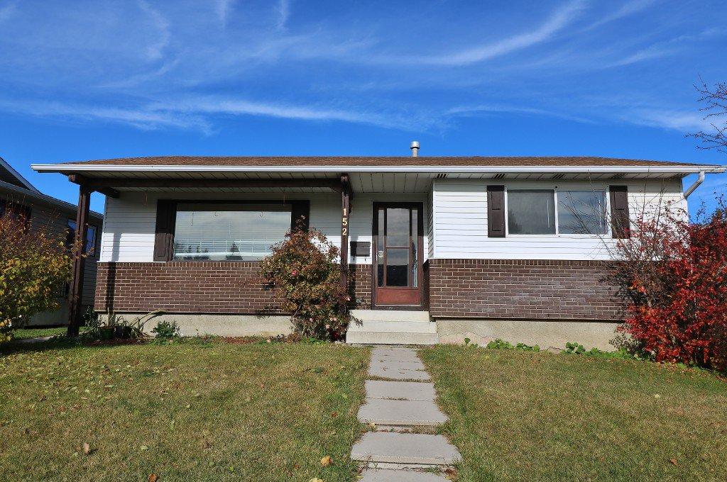Main Photo: 152 RUNDLECAIRN Rise NE in CALGARY: Rundle House for sale (Calgary)  : MLS®# C4056816
