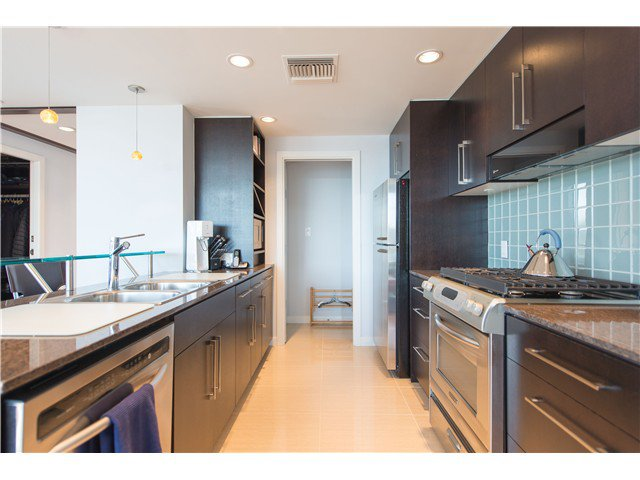 Photo 3: Photos: # 1101 638 BEACH CR in Vancouver: Yaletown Condo for sale (Vancouver West)  : MLS®# V1116559