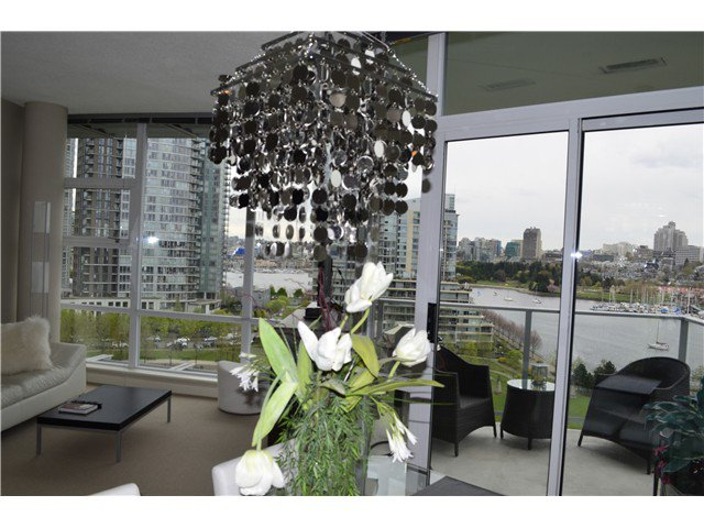 Photo 6: Photos: # 1101 638 BEACH CR in Vancouver: Yaletown Condo for sale (Vancouver West)  : MLS®# V1116559
