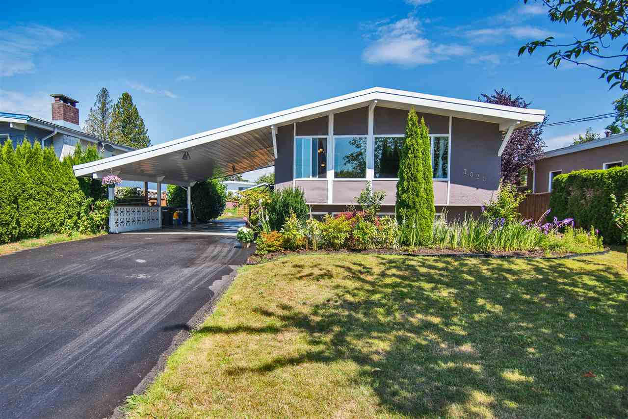 Main Photo: 7023 KITCHENER Street in Burnaby: Sperling-Duthie House for sale (Burnaby North)  : MLS®# R2391492