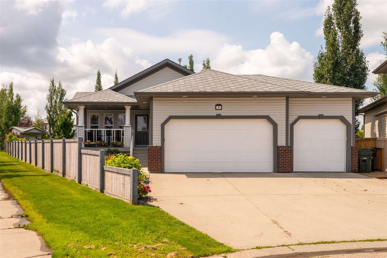 Main Photo: 9 Linksview Place: Spruce Grove House for sale : MLS®# E4167781