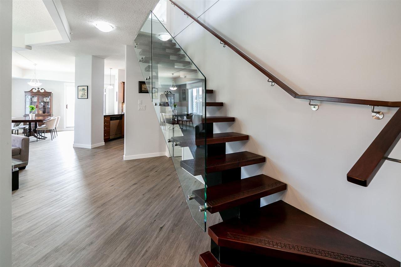 Main Photo: 1104 9707 106 Street in Edmonton: Zone 12 Condo for sale : MLS®# E4176326