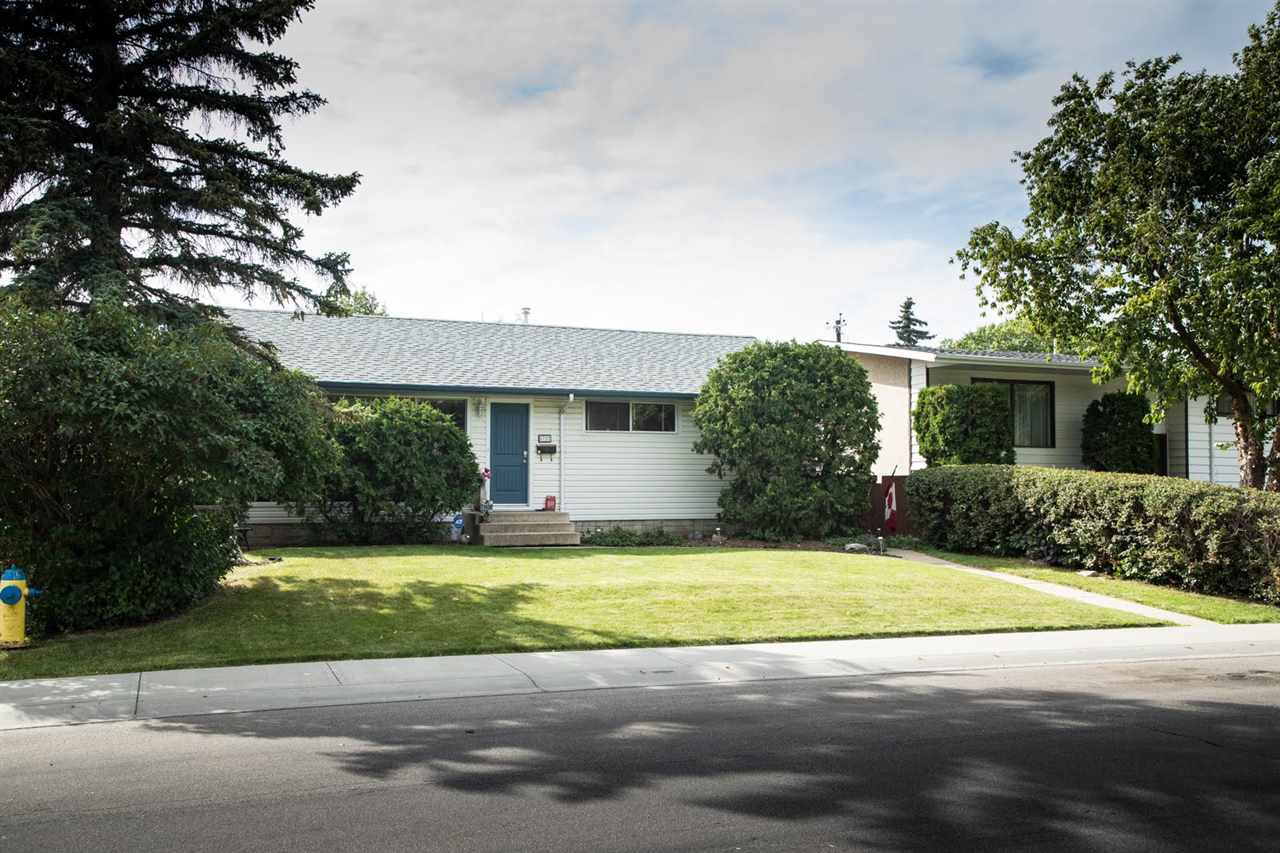 Main Photo: 8722 164A Street in Edmonton: Zone 22 House for sale : MLS®# E4182727