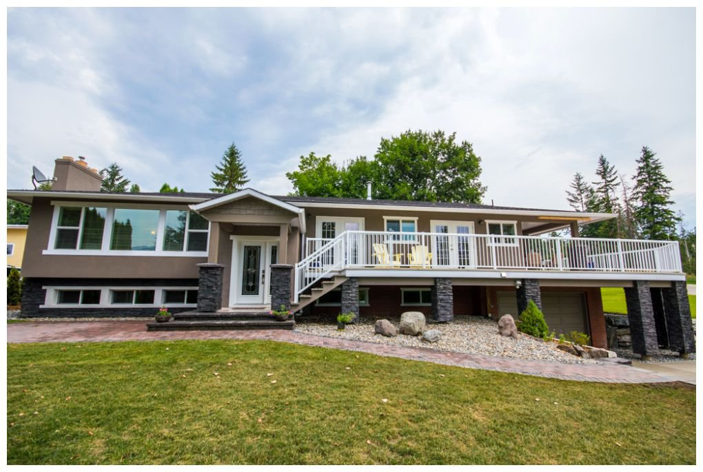Main Photo: 2245 Northeast 24 Avenue in Salmon Arm: Appleyard House for sale (NE Salmon Arm)  : MLS®# 10087349