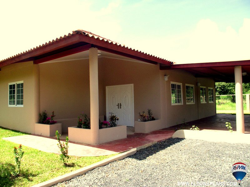 Main Photo:  in Nueva Gorgona: Residential for sale (Playa Gorgona)  : MLS®# BH00087
