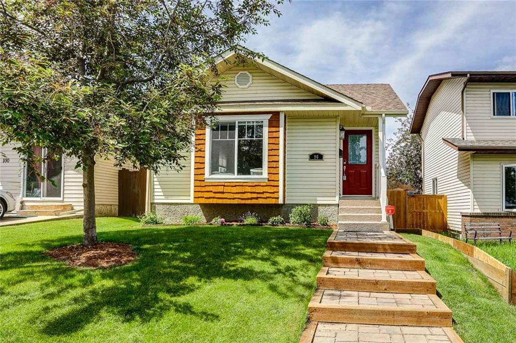 Main Photo: 96 SHAWGLEN Way SW in Calgary: Shawnessy Detached for sale : MLS®# C4303426