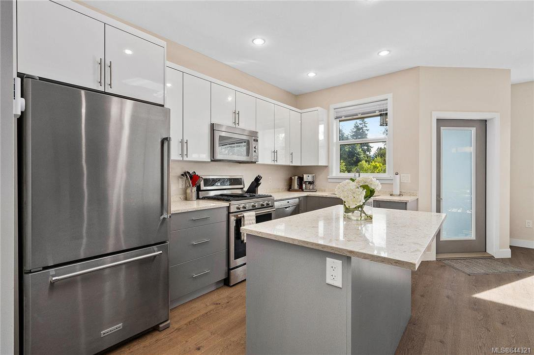 Photo 5: Photos: 117 6800 W Grant Rd in Sooke: Sk Sooke Vill Core Row/Townhouse for sale : MLS®# 844321