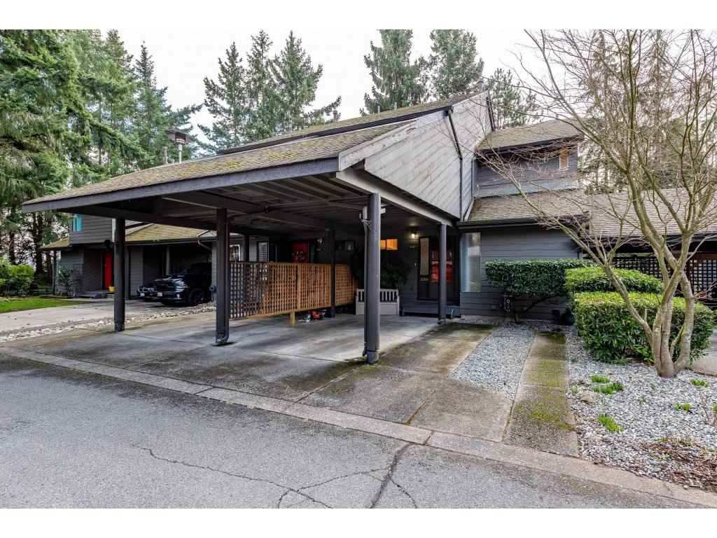 """Main Photo: 15967 ALDER Place in Surrey: King George Corridor Townhouse for sale in """"ALDERWOOD"""" (South Surrey White Rock)  : MLS®# R2478330"""