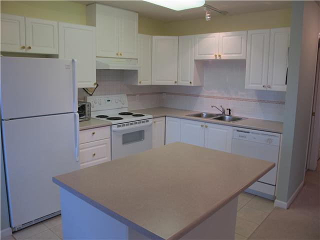 Photo 4: Photos: 603 612 6TH Street in New Westminster: Uptown NW Condo for sale : MLS®# V941736