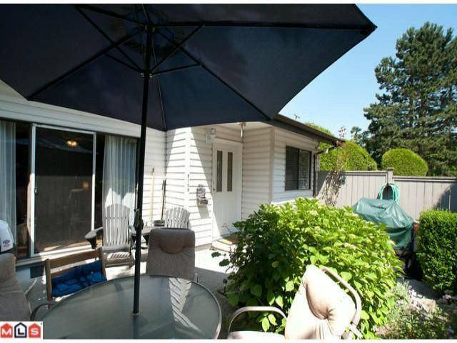"""Photo 2: Photos: 5105 203RD Street in Langley: Langley City Townhouse for sale in """"Longlea Estates"""" : MLS®# F1217258"""