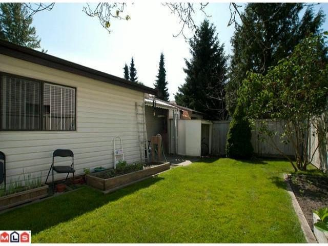 """Photo 10: Photos: 5105 203RD Street in Langley: Langley City Townhouse for sale in """"Longlea Estates"""" : MLS®# F1217258"""