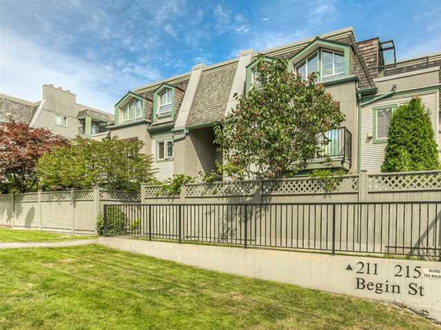 "Main Photo: 87 211 BEGIN Street in Coquitlam: Maillardville Townhouse for sale in ""FOUNTAIN BLEU"" : MLS®# V966076"