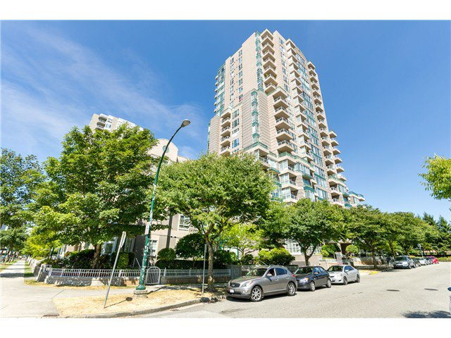 Main Photo: 101 5189 Gaston st in Vancouver: Collingwood VE Condo for sale (Vancouver East)  : MLS®# V1079918