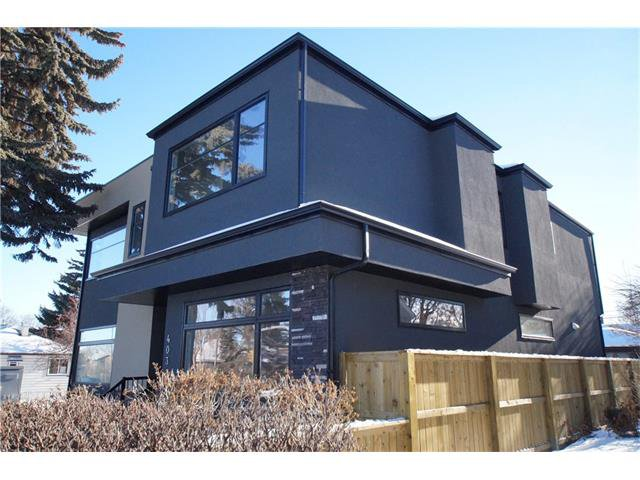 Main Photo: 403 20 AV NW in Calgary: Mount Pleasant House for sale : MLS®# C4045468