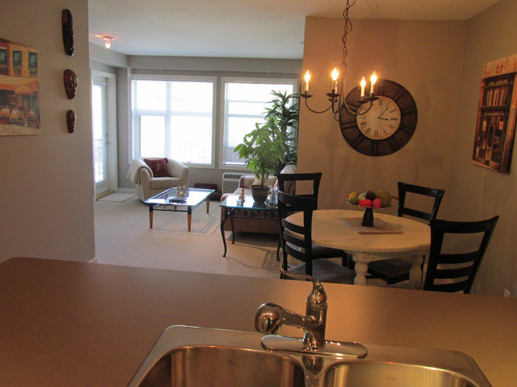 Photo 5: Photos: #410 533 Yates Road in Kelowna: North Glenmore Condo for sale : MLS®# 10114546