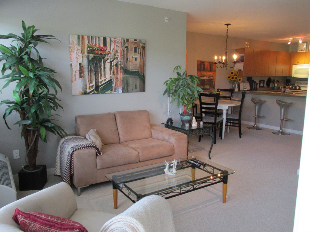 Photo 6: Photos: #410 533 Yates Road in Kelowna: North Glenmore Condo for sale : MLS®# 10114546