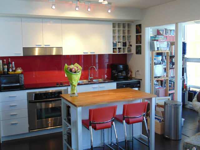Photo 3: Photos: 111 W Georgia Street in Vancouver: Vancouver West Condo for rent (Downtown Vancouver)