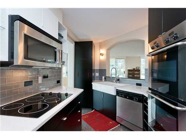 "Photo 6: Photos: # 10D 338 TAYLOR WY in West Vancouver: Park Royal Condo for sale in ""WESTROYAL"" : MLS®# V998601"