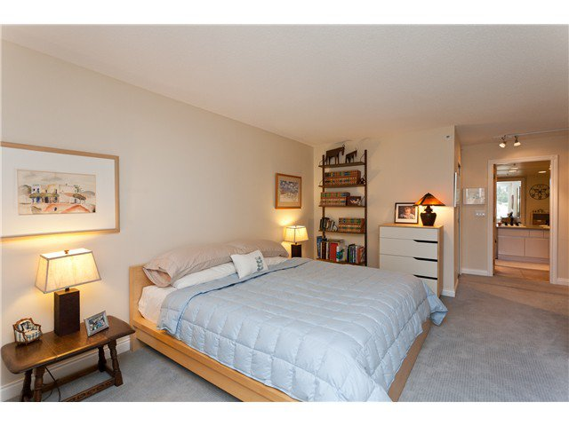 "Photo 8: Photos: # 10D 338 TAYLOR WY in West Vancouver: Park Royal Condo for sale in ""WESTROYAL"" : MLS®# V998601"