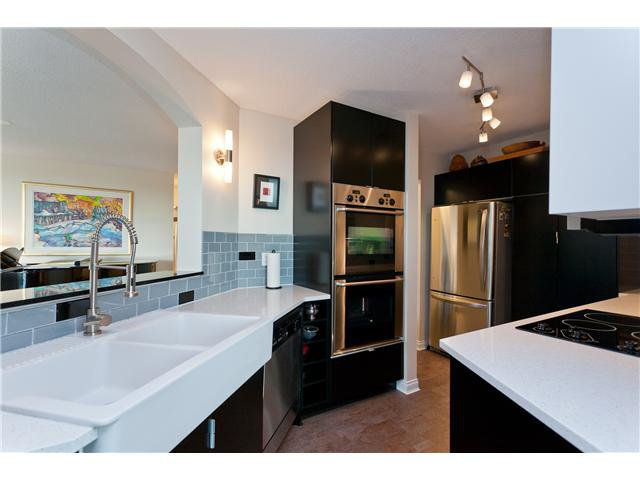 "Photo 5: Photos: # 10D 338 TAYLOR WY in West Vancouver: Park Royal Condo for sale in ""WESTROYAL"" : MLS®# V998601"