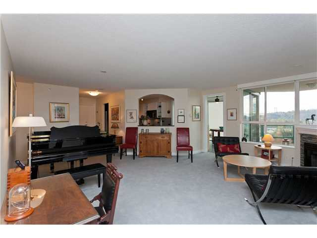 "Photo 2: Photos: # 10D 338 TAYLOR WY in West Vancouver: Park Royal Condo for sale in ""WESTROYAL"" : MLS®# V998601"