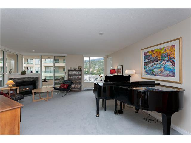 "Photo 3: Photos: # 10D 338 TAYLOR WY in West Vancouver: Park Royal Condo for sale in ""WESTROYAL"" : MLS®# V998601"