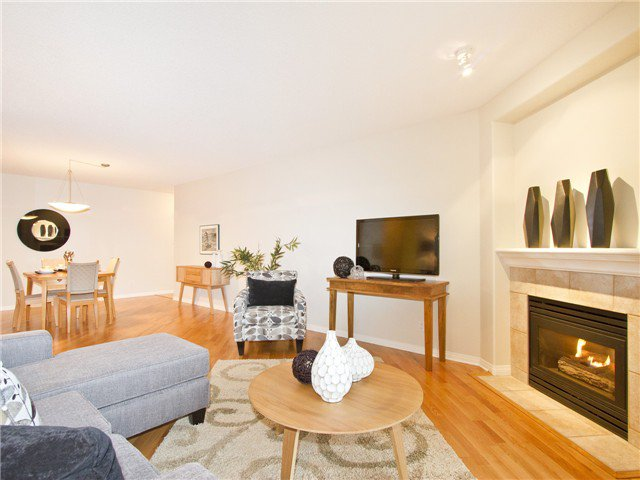"Main Photo: 706 1575 W 10TH Avenue in Vancouver: Fairview VW Condo for sale in ""THE TRITON"" (Vancouver West)  : MLS®# V1020833"