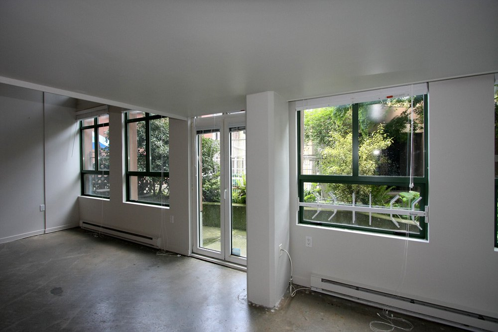 Photo 5: Photos: 109 1 E Cordova Street in Vancouver: Downtown VE Condo for sale (Vancouver East)  : MLS®# V891469
