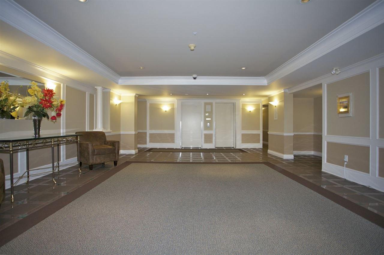 Photo 2: Photos: 405 1575 BEST STREET: White Rock Condo for sale (South Surrey White Rock)  : MLS®# R2032421