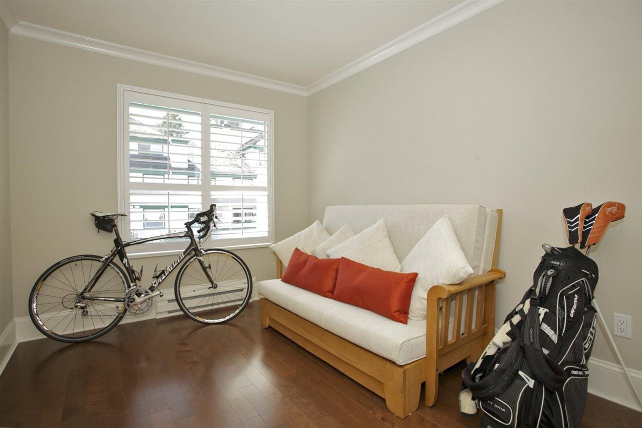 Photo 11: Photos: 405 1575 BEST STREET: White Rock Condo for sale (South Surrey White Rock)  : MLS®# R2032421