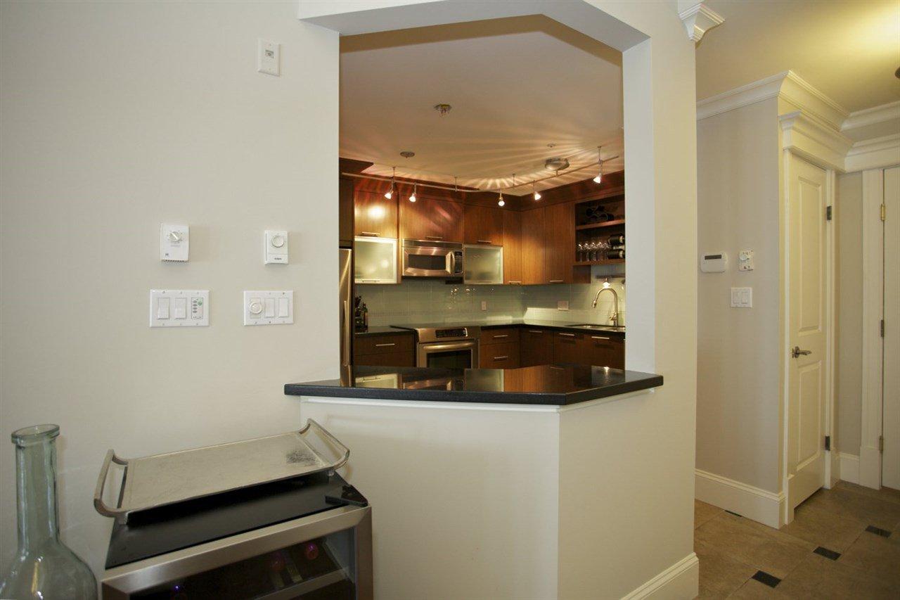 Photo 5: Photos: 405 1575 BEST STREET: White Rock Condo for sale (South Surrey White Rock)  : MLS®# R2032421