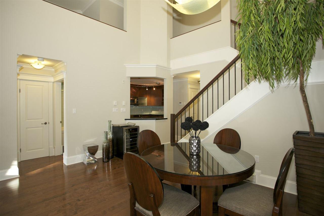 Photo 3: Photos: 405 1575 BEST STREET: White Rock Condo for sale (South Surrey White Rock)  : MLS®# R2032421