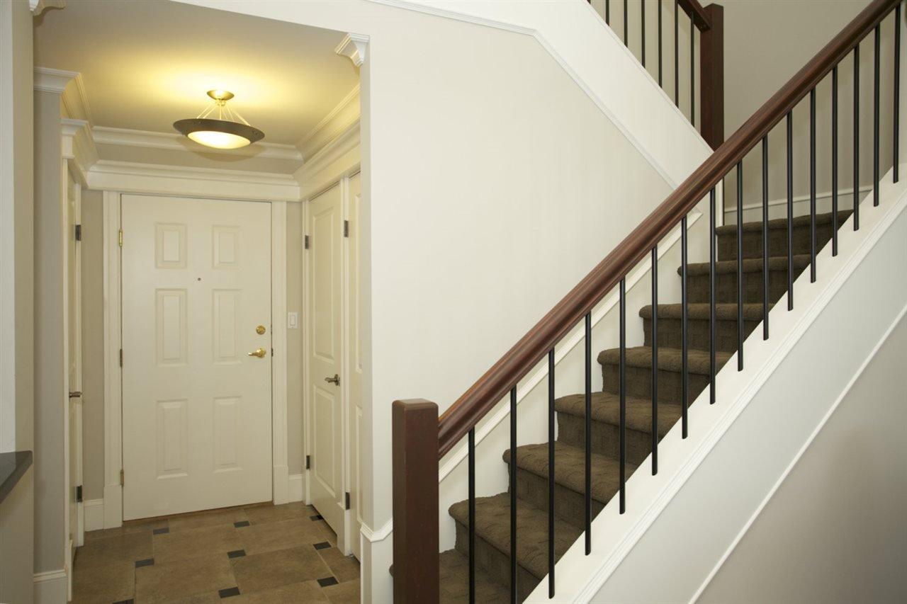 Photo 4: Photos: 405 1575 BEST STREET: White Rock Condo for sale (South Surrey White Rock)  : MLS®# R2032421