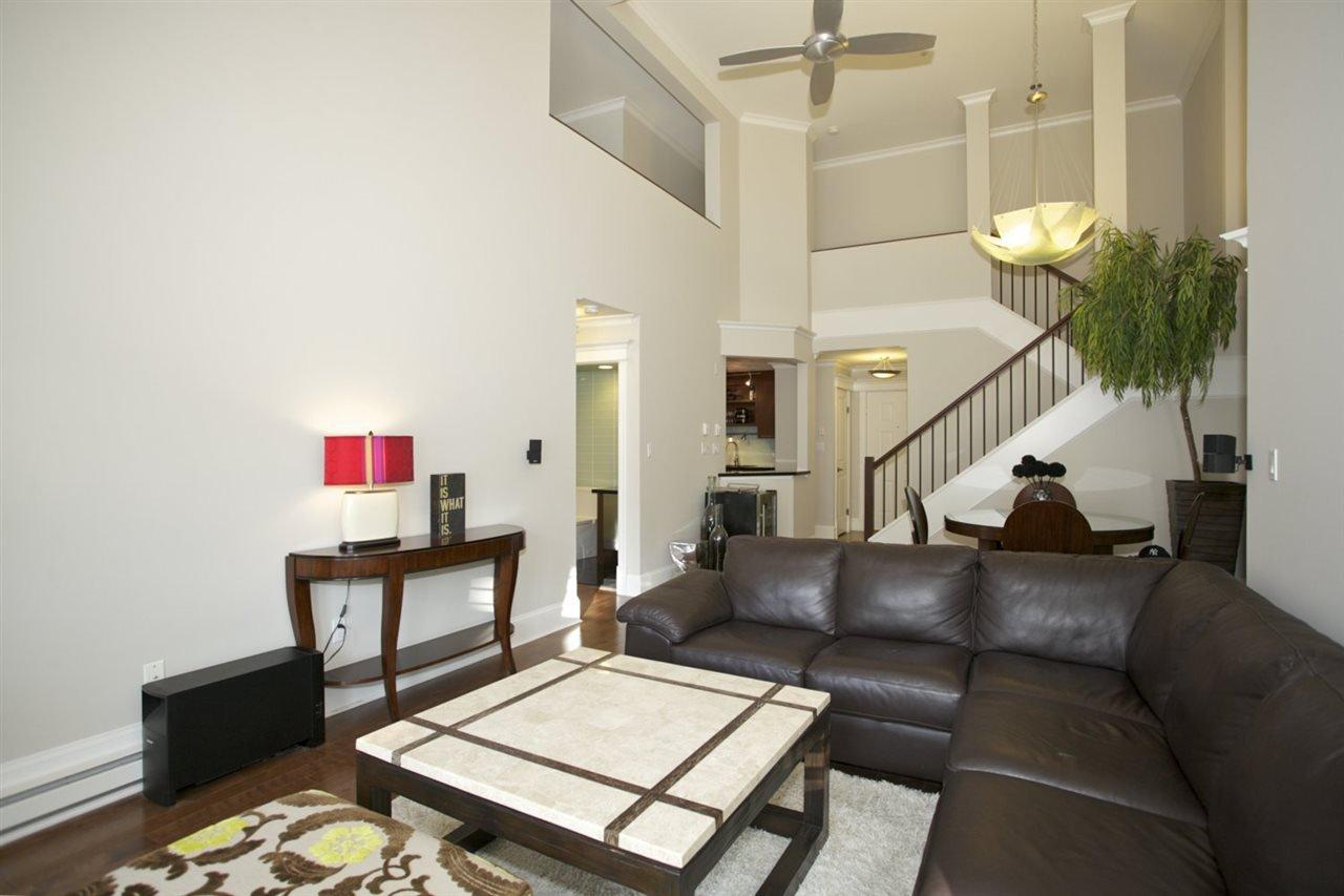 Photo 9: Photos: 405 1575 BEST STREET: White Rock Condo for sale (South Surrey White Rock)  : MLS®# R2032421