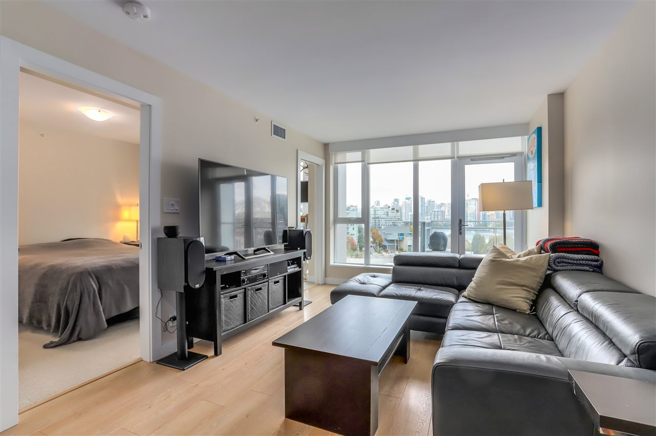 Main Photo: 1006 1618 QUEBEC STREET in Vancouver: Mount Pleasant VE Condo for sale (Vancouver East)  : MLS®# R2307232