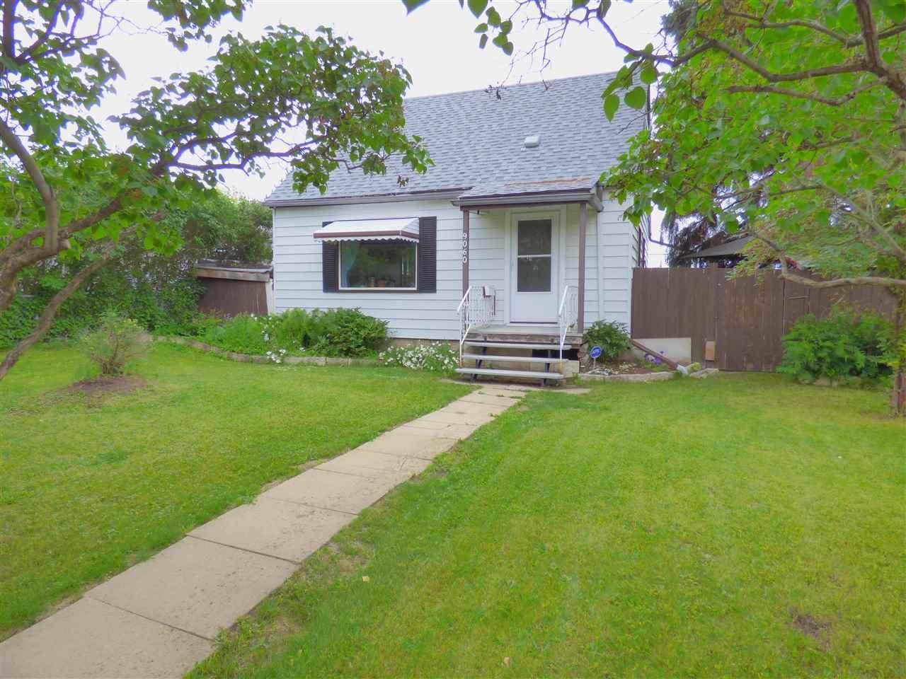 Main Photo: 9060 151 Street in Edmonton: Zone 22 House for sale : MLS®# E4165289