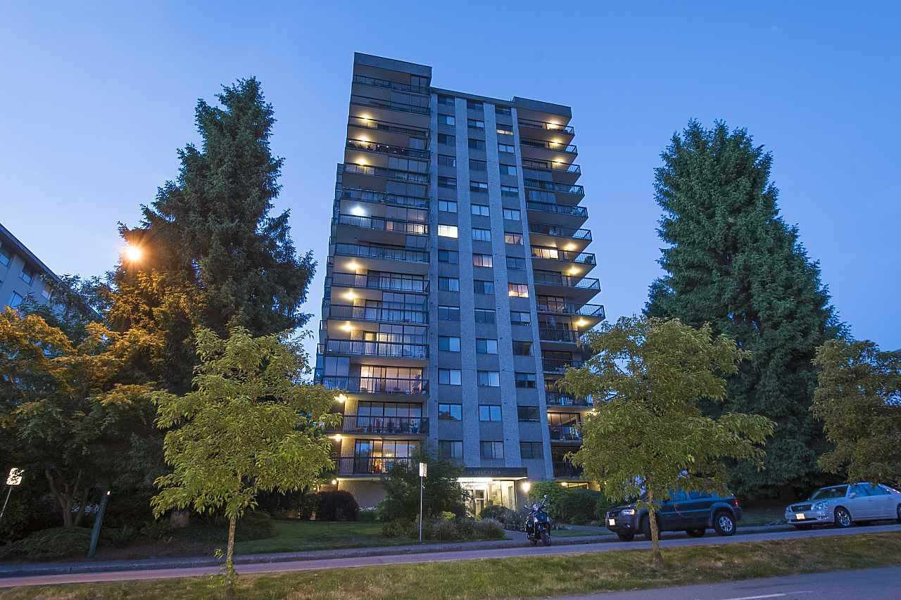 """Main Photo: 703 114 W KEITH Road in North Vancouver: Central Lonsdale Condo for sale in """"Ashby House"""" : MLS®# R2426357"""