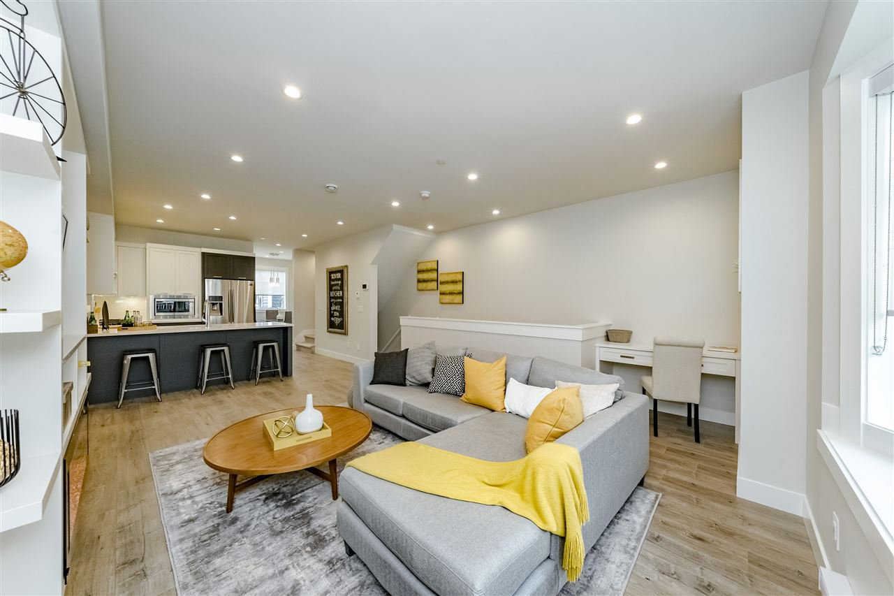 """Main Photo: 42 189 WOOD Street in New Westminster: Queensborough Townhouse for sale in """"RIVER MEWS"""" : MLS®# R2466594"""