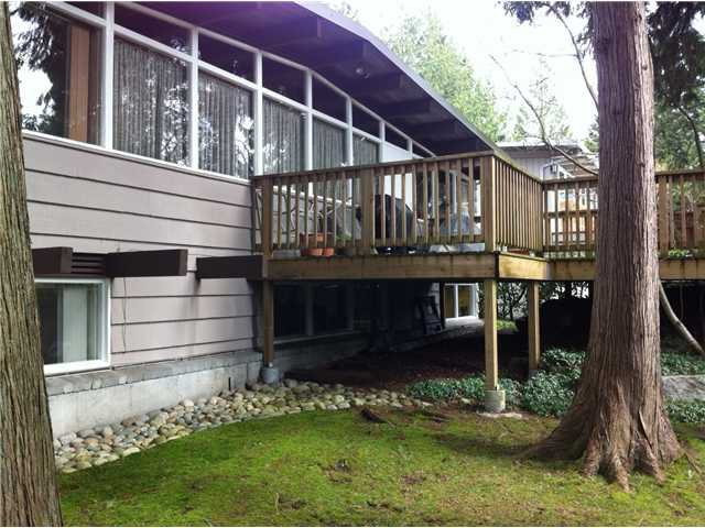 Photo 10: Photos: 533 W ST JAMES Road in North Vancouver: Delbrook House for sale : MLS®# V940842