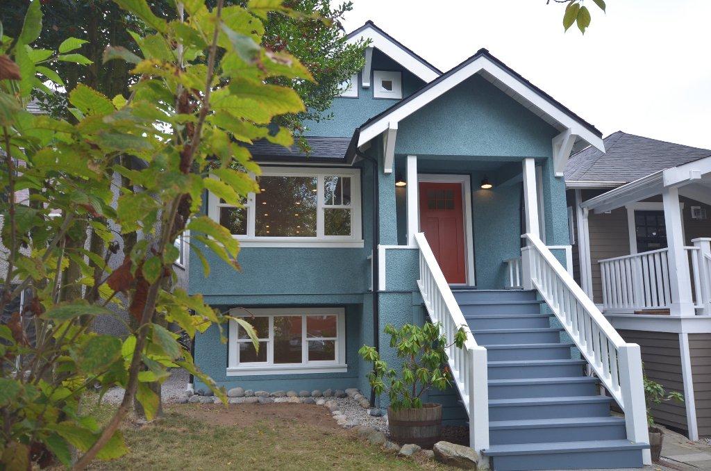 Main Photo: 1128 E 19th Avenue Vancouver V5V 1L1 - Hammer/Watkinson