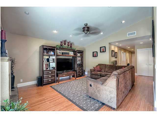 Photo 5: Photos: SCRIPPS RANCH House for sale : 3 bedrooms : 10849 Red Fern Circle in San Diego